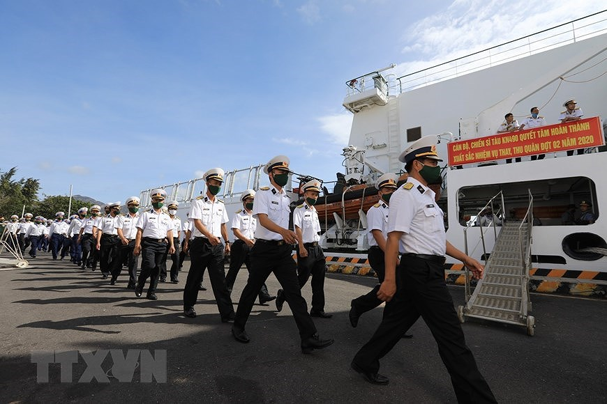 Naval Zone 4 dispatches soldiers to missions in Truong Sa archipelago hinh anh 4
