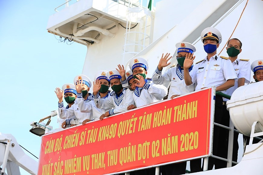 Naval Zone 4 dispatches soldiers to missions in Truong Sa archipelago hinh anh 7