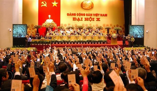 10th Party Congress: Utilising all resources, bringing Vietnam out of underdeveloped status hinh anh 1