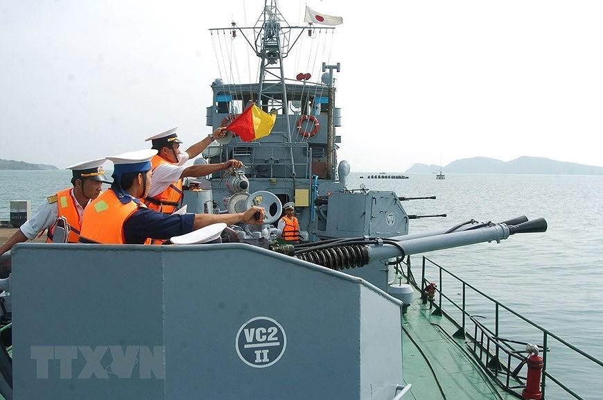 Building elite, modern Vietnam People's Navy hinh anh 16