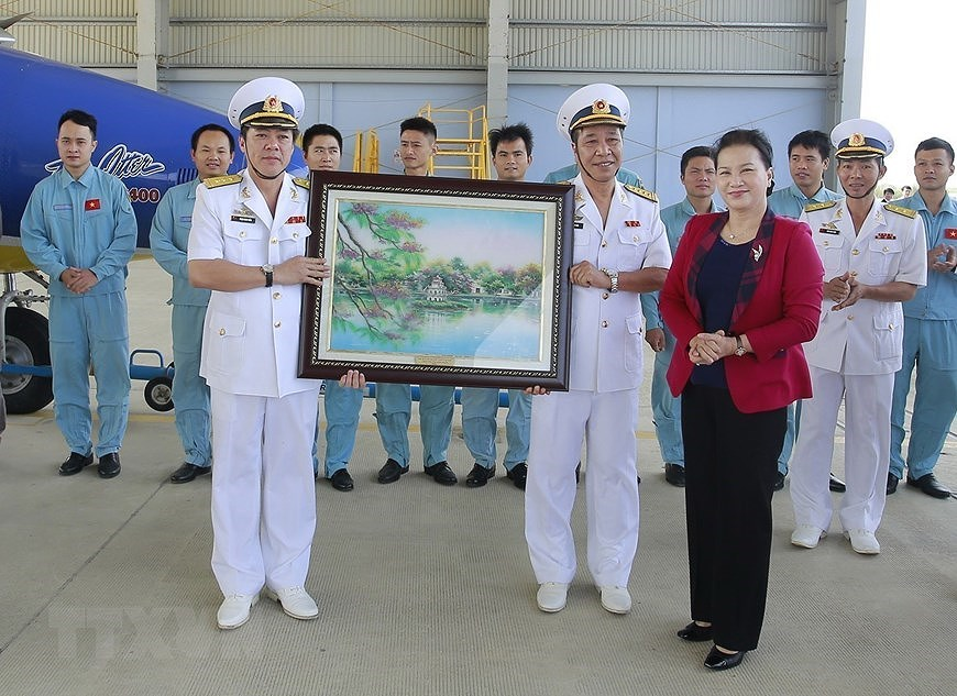 Building elite, modern Vietnam People's Navy hinh anh 4