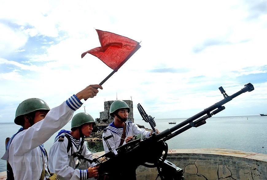 Building elite, modern Vietnam People's Navy hinh anh 7