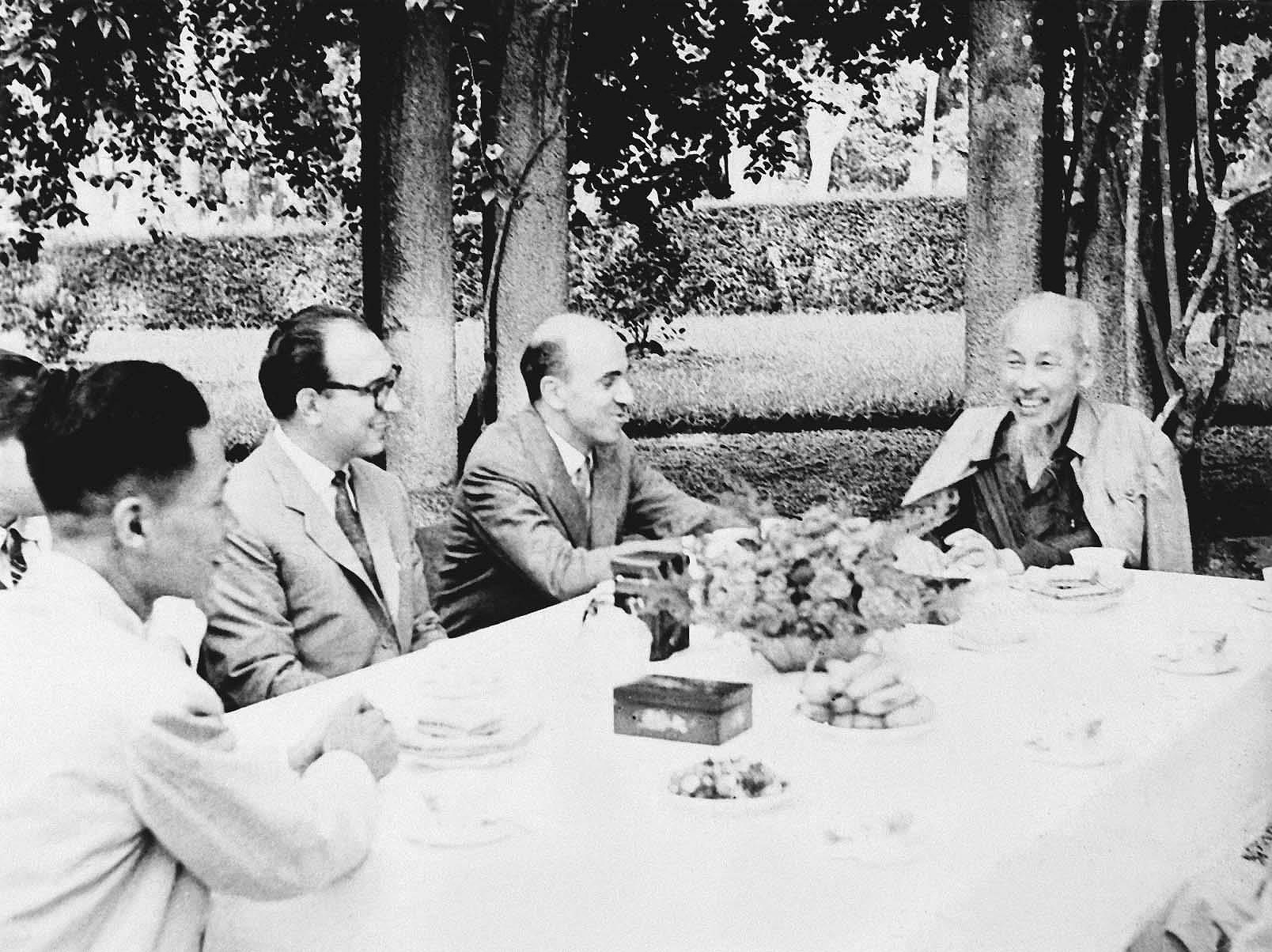President Ho Chi Minh's thoughts on int'l solidarity hinh anh 13