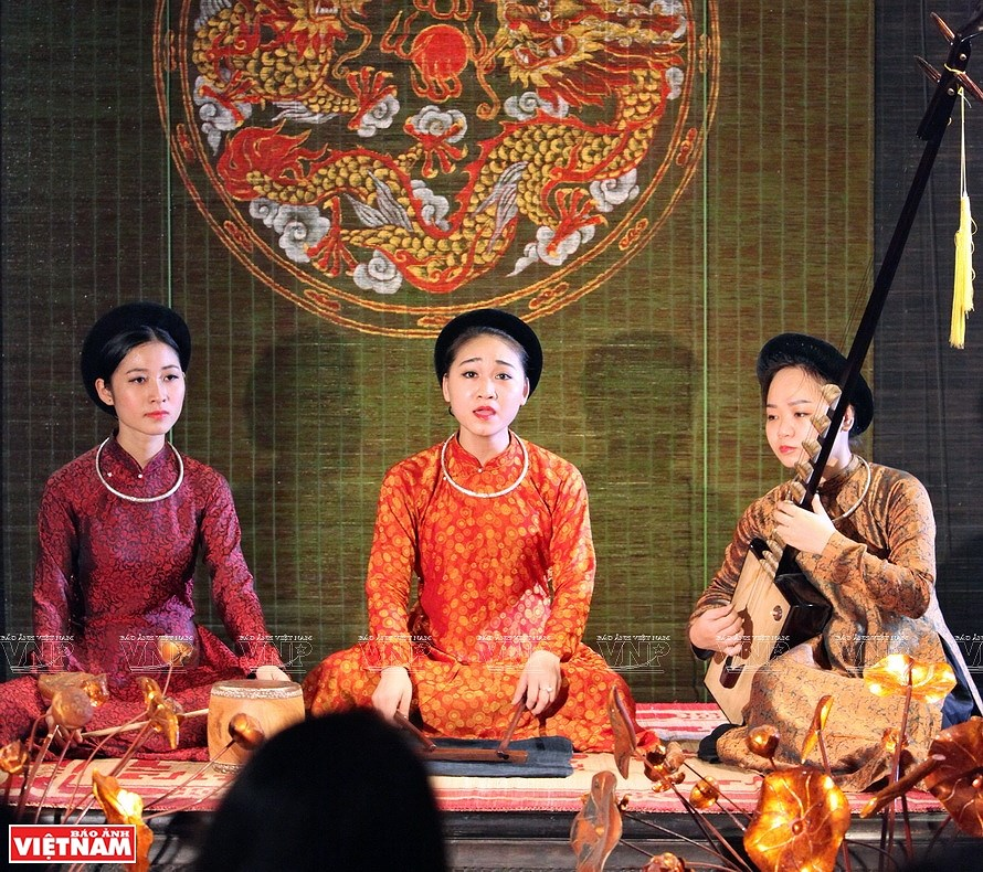 Ao dai, the identity of Vietnamese culture hinh anh 2