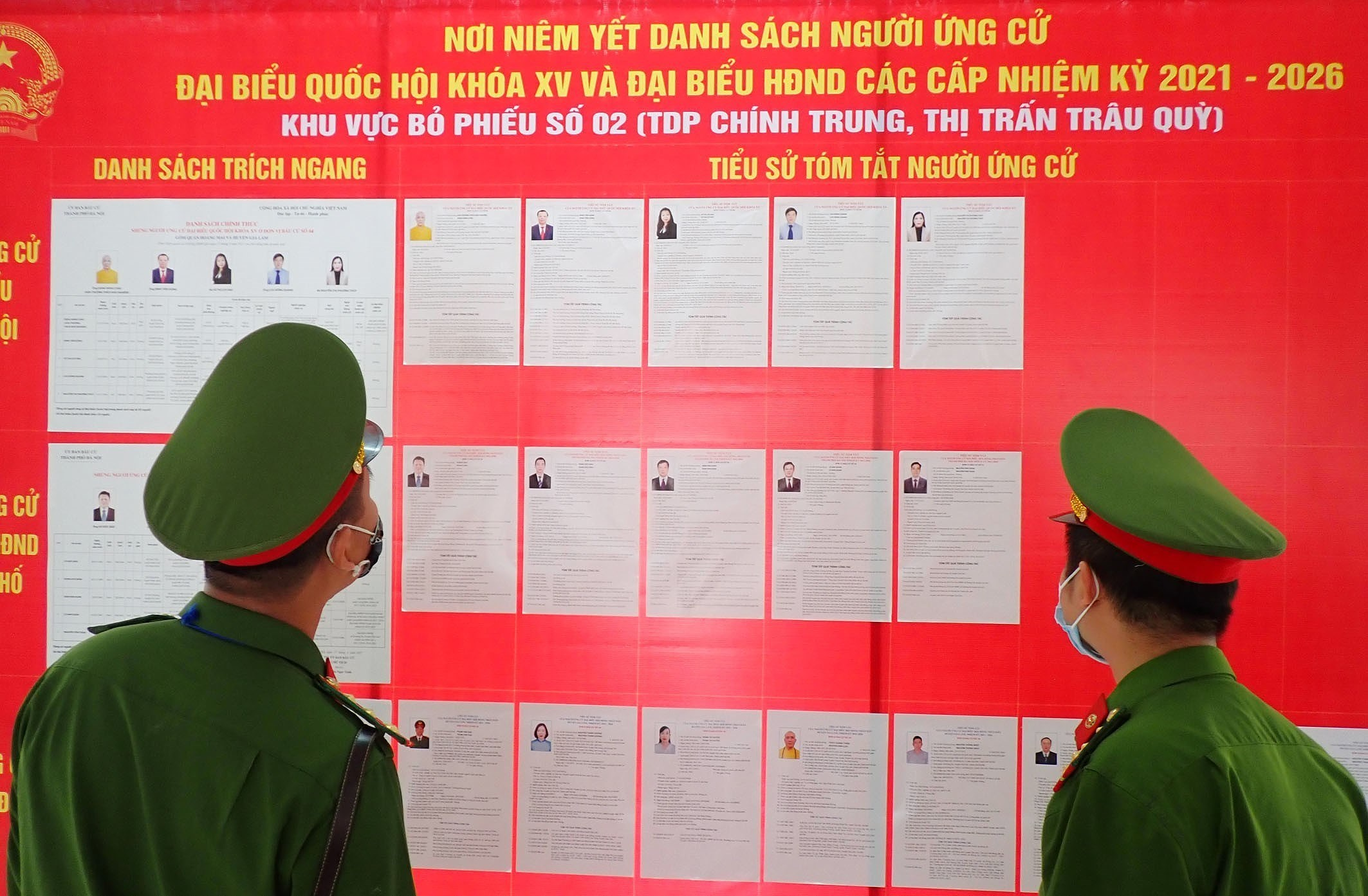 Hanoi's police ensures security, order for election day hinh anh 4
