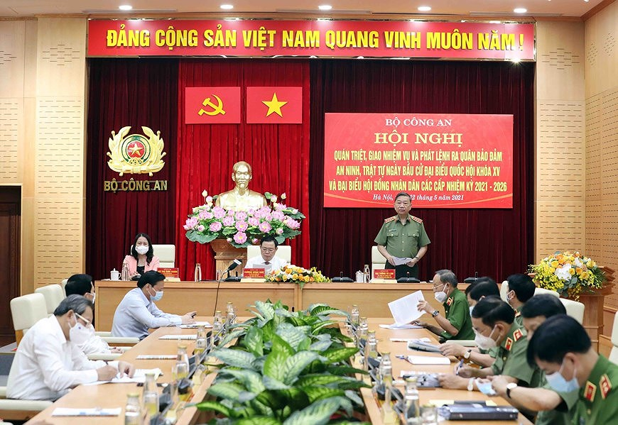 NA Chairman attends ceremony on protecting security and safety for elections hinh anh 5