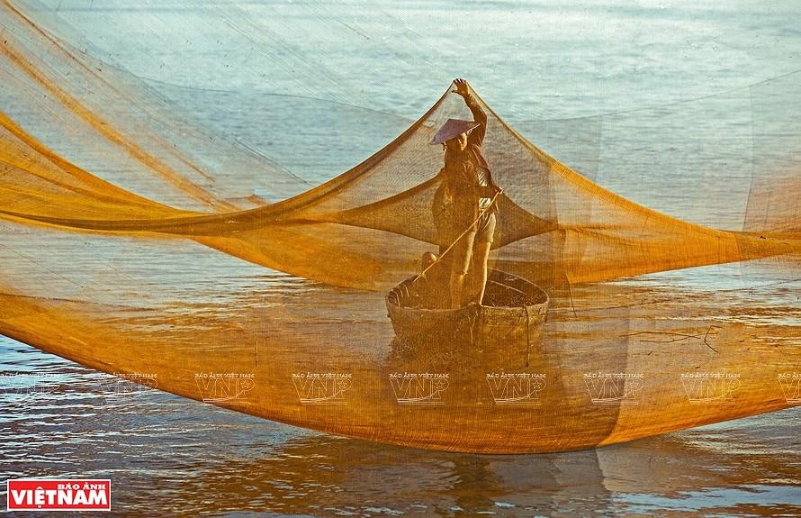Vietnam through lens of female photographers hinh anh 9