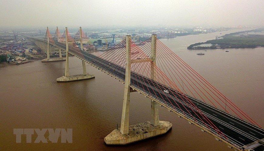 Expressway boosts development in economic triangle axis hinh anh 7