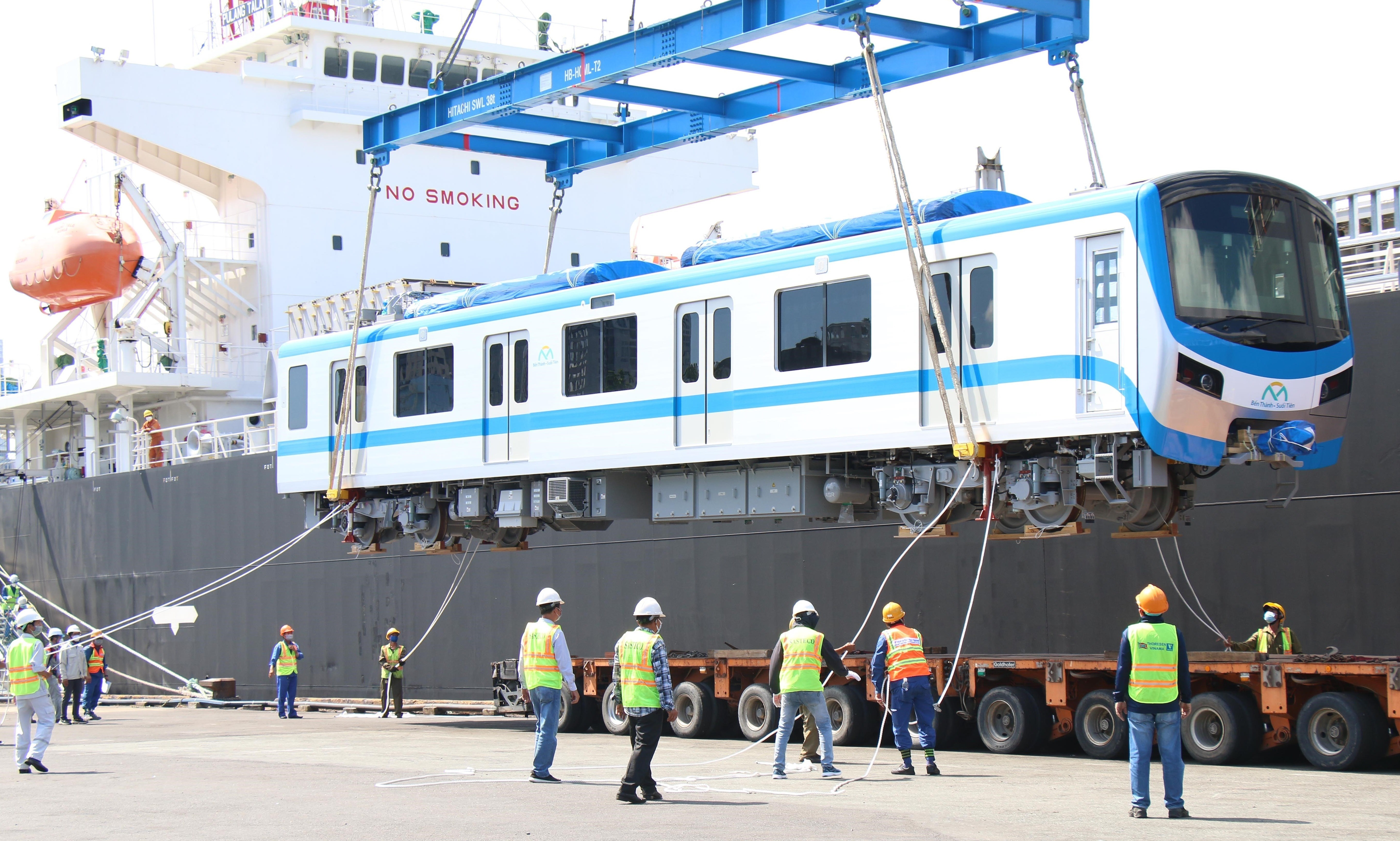 HCM City receives two more trains for Metro Line No.1 hinh anh 4