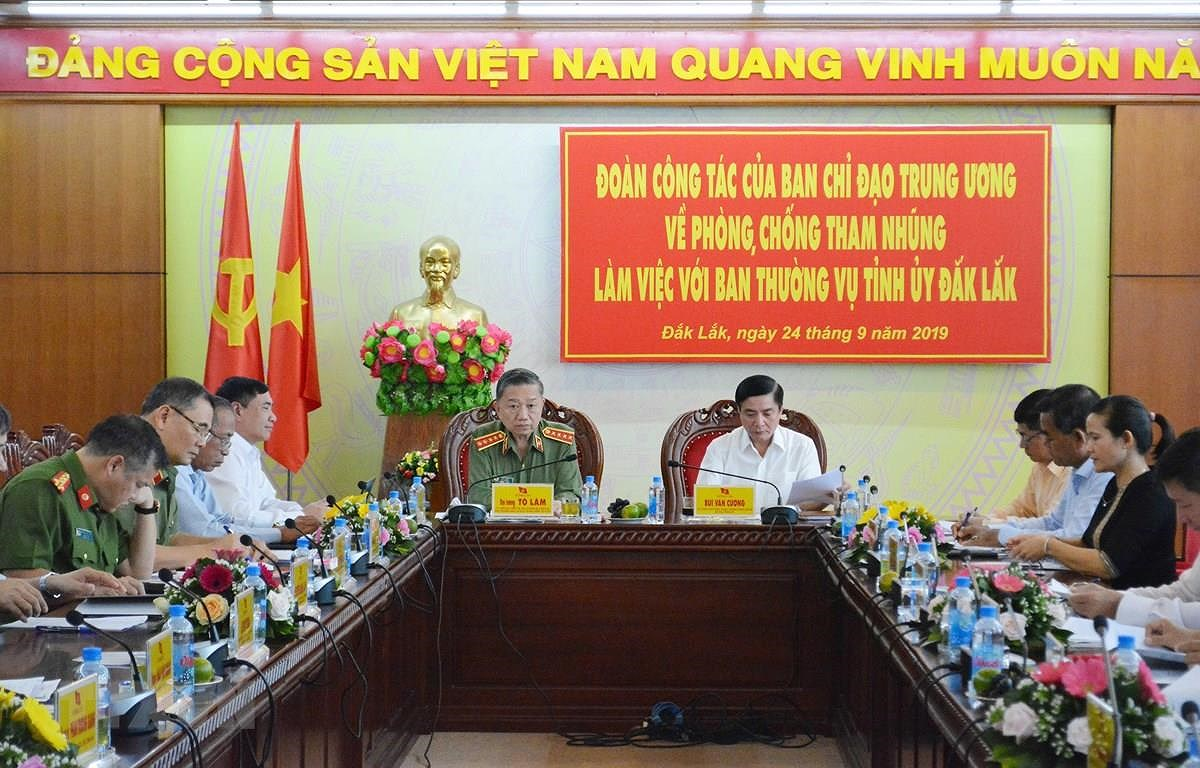 Power control important to Party building hinh anh 1