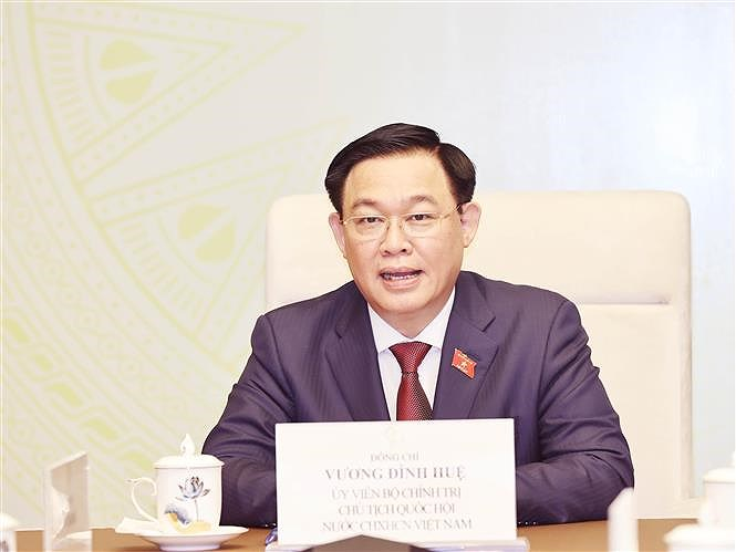 Top legislator holds phone talks with Lao counterpart hinh anh 1