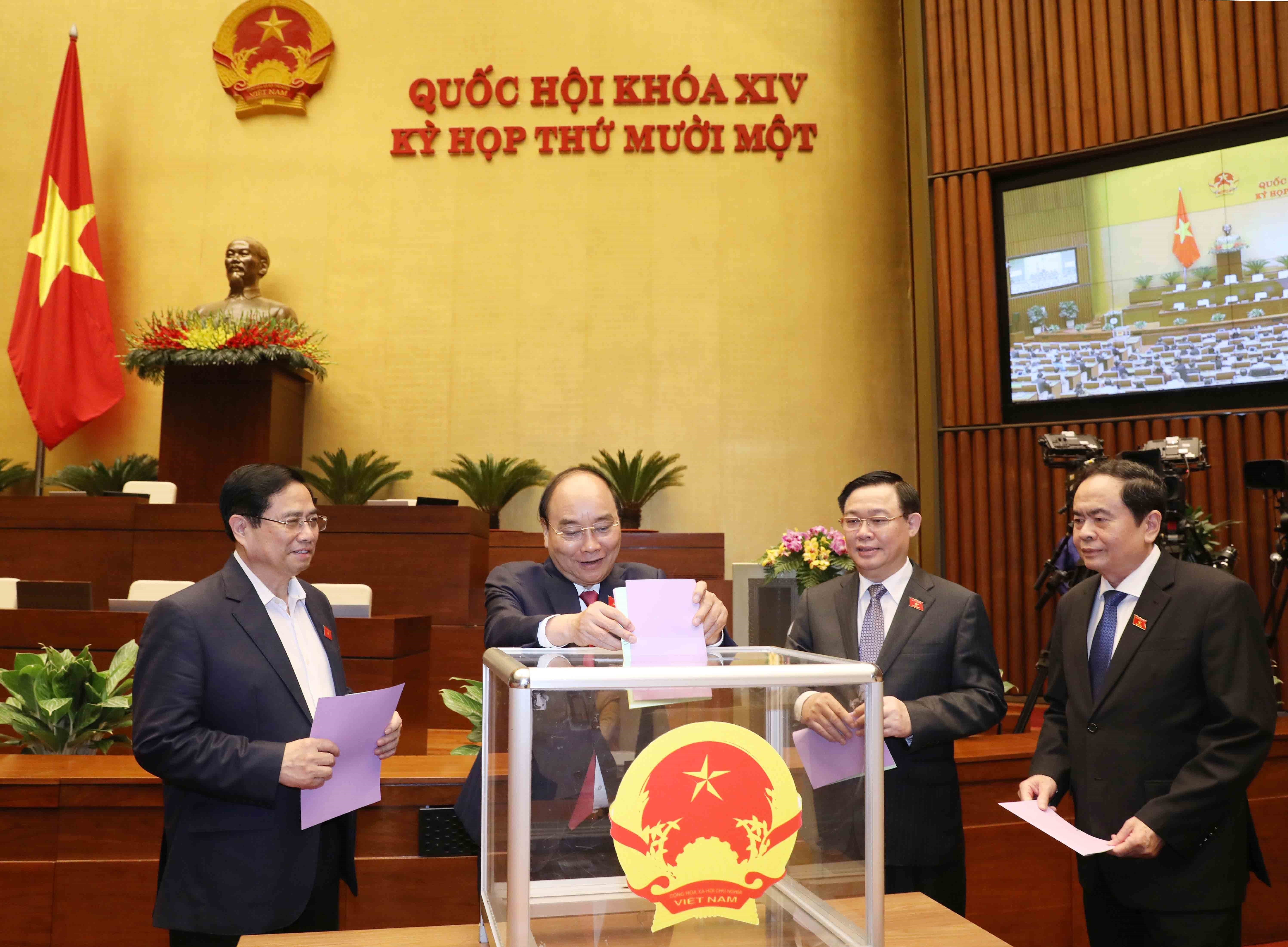 Dang Thi Ngoc Thinh relieved from position of State Vice President hinh anh 1