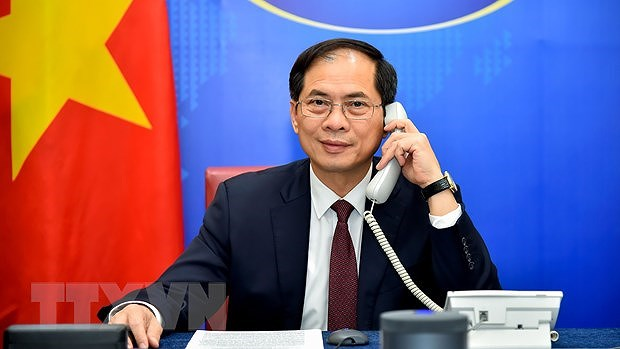 FMs hold phone talks over Vietnam – Ethiopia relations hinh anh 1