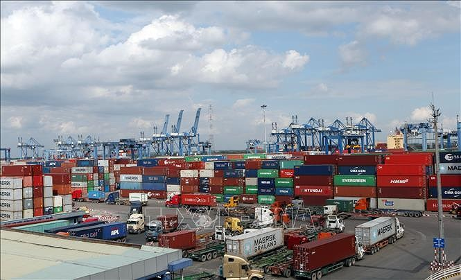 Vietnam posts positive signs in FDI attraction hinh anh 1