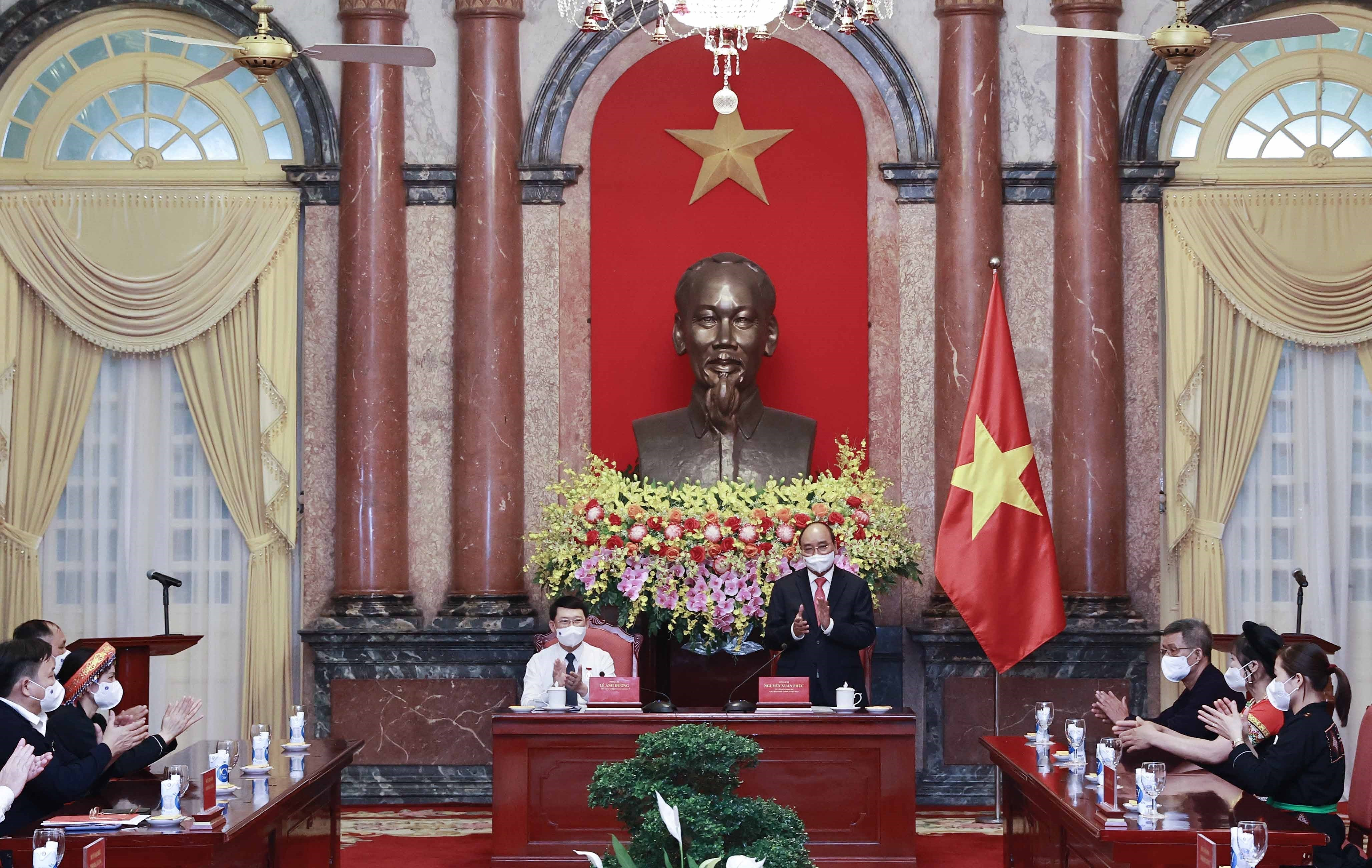 State President meets with ethnic delegates from Bac Giang hinh anh 2