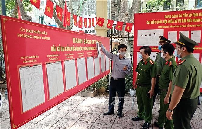 Election preparations ready for voters to go to the polls hinh anh 2