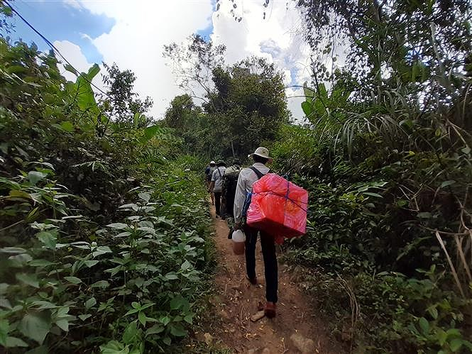 Early elections held in remote areas of Binh Dinh province hinh anh 2