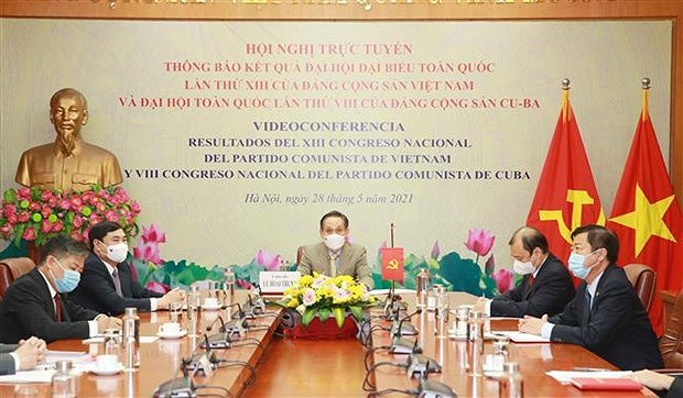 Vietnam wants to deepen ties with Cuban, Russian Parties hinh anh 2