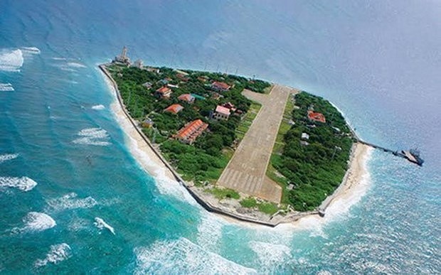 Truong Sa lighthouses affirm Vietnam's sovereignty over seas and islands hinh anh 2