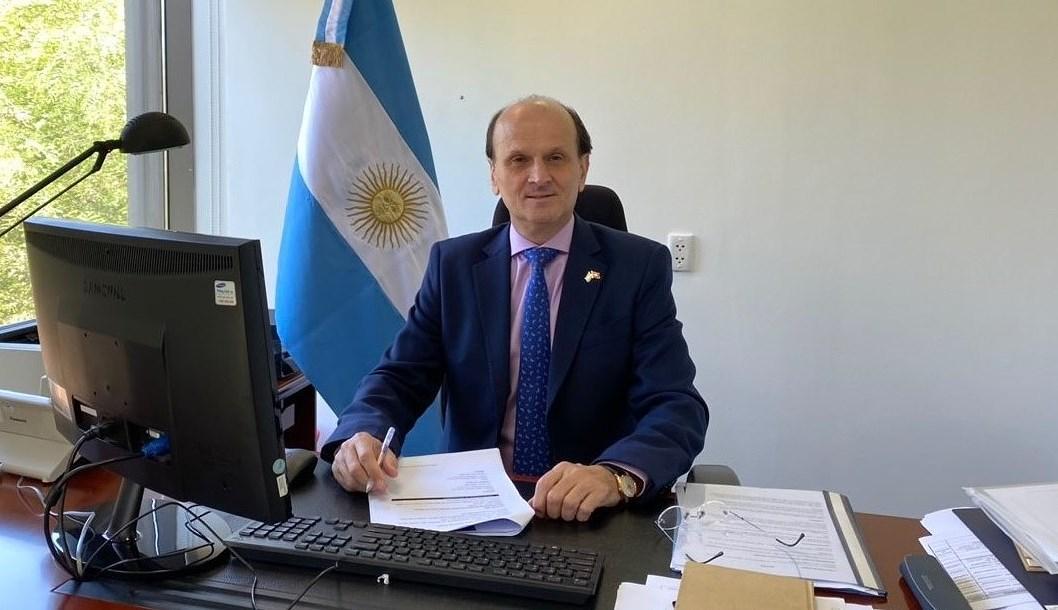 Argentina hopes for strategic partnership with Vietnam: ambassador hinh anh 1