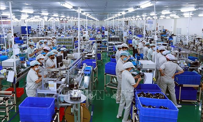Ministry announces two growth scenarios for second half hinh anh 1