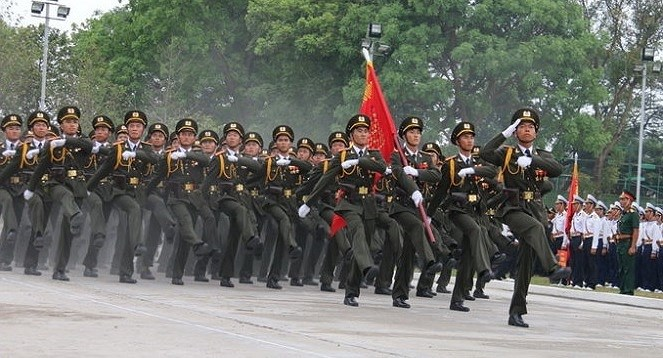 Minister: public security forces uphold heroic tradition hinh anh 1