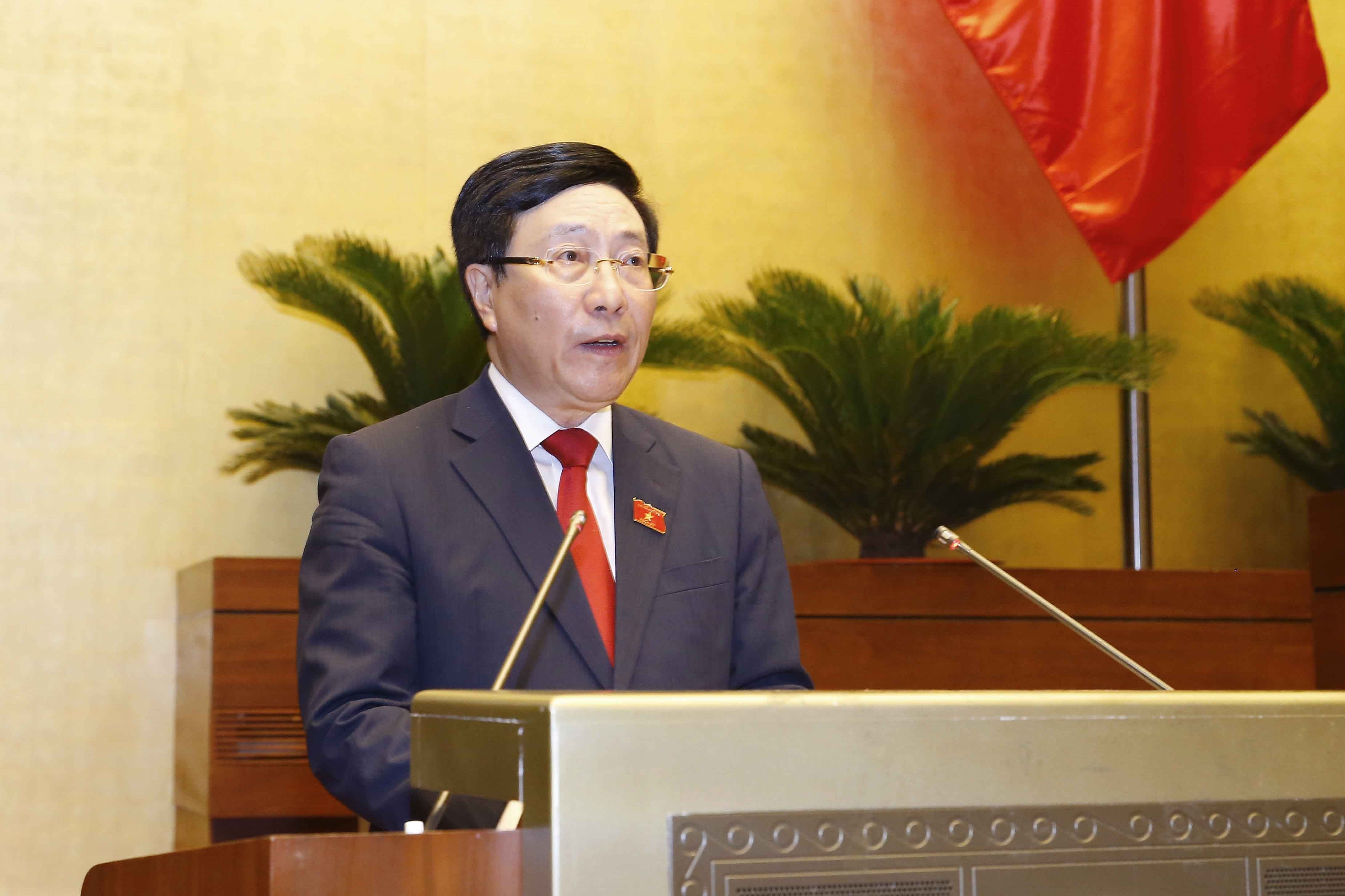 Socio-economic situation stable in year's first half: Deputy PM hinh anh 2