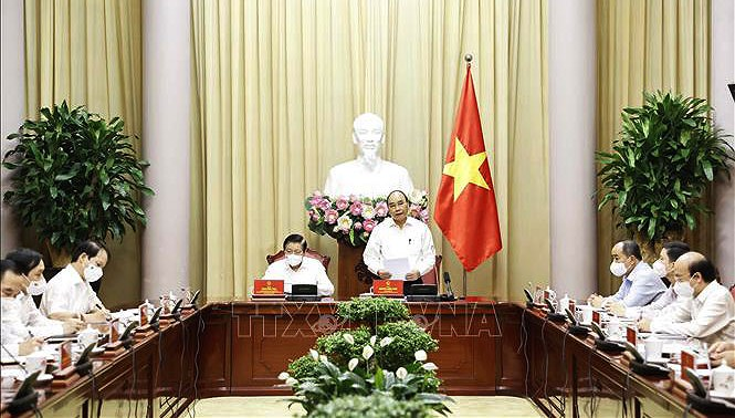 Research on rule-of-law socialist state should be more practical: President hinh anh 1