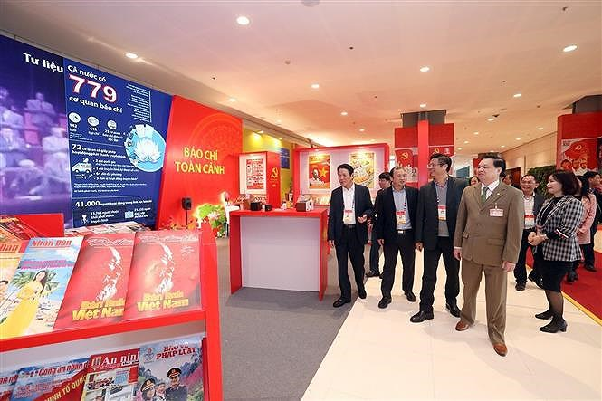 Books, newspapers on showcase to mark Party Congress hinh anh 3