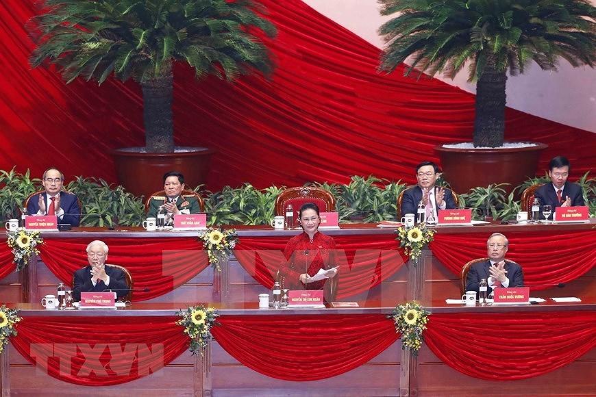 Des membres du CC du Parti du 13e mandat - Nguyen Phu Trong reelu Secretaire general du CC du Parti hinh anh 2