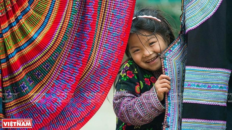 La vie dans la region montagneuse sous les yeux des femmes photographes hinh anh 1
