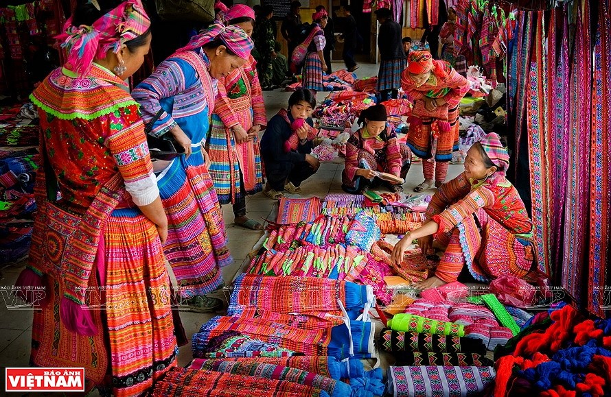 La vie dans la region montagneuse sous les yeux des femmes photographes hinh anh 4