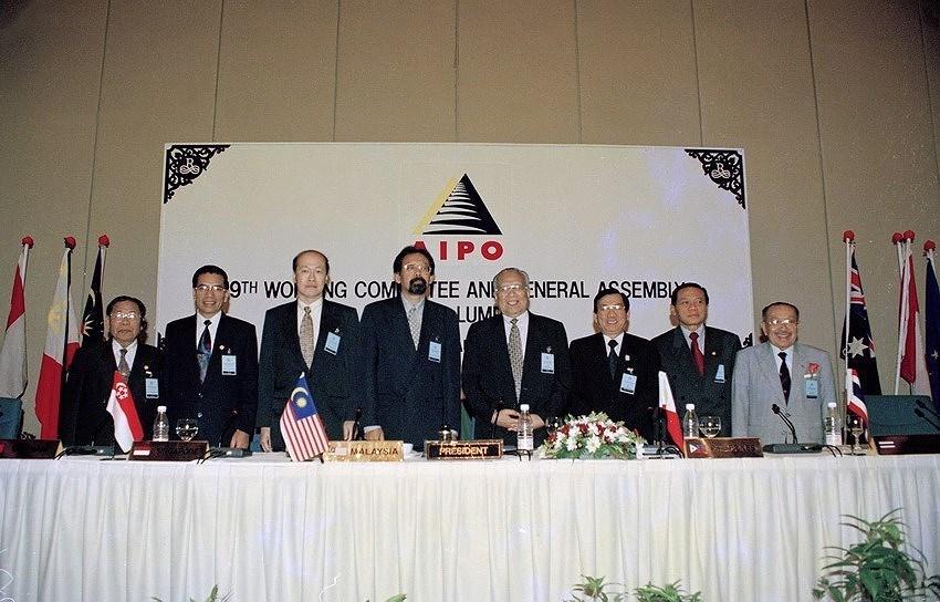 8e Congres national du Parti: poursuivre le Renouveau, accelerer l'industrialisation hinh anh 4