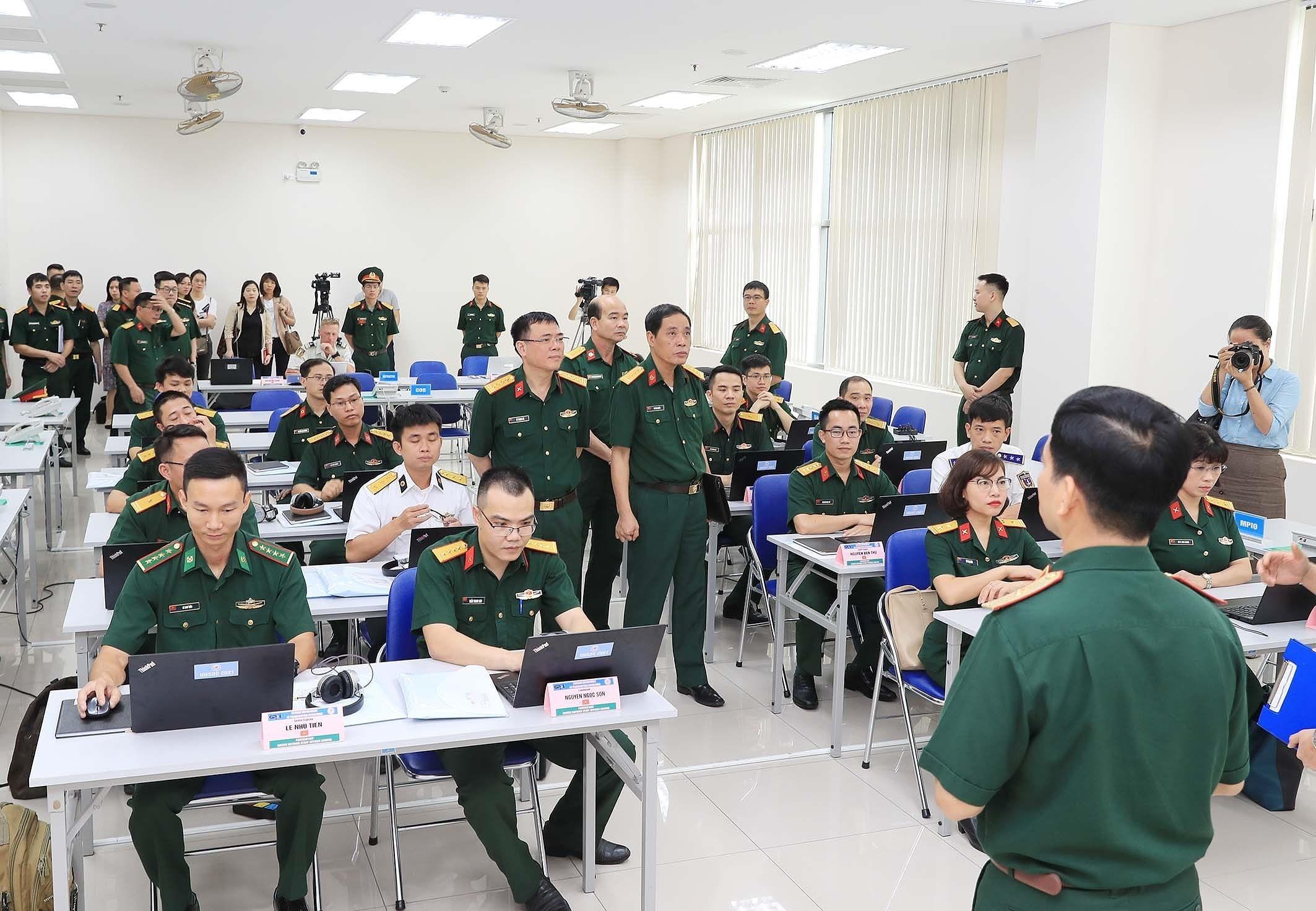 Ouverture d'un cours de formation pour les officiers d'etat-major des Nations Unies hinh anh 6