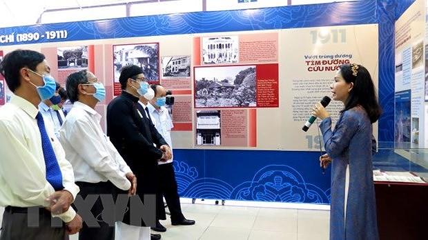 Le President Ho Chi Minh en images emblematiques a Thua Thien-Hue hinh anh 1