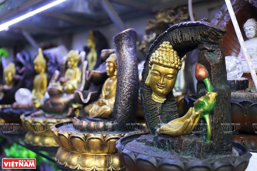 Le village de la ceramique de Bat Trang hinh anh 9