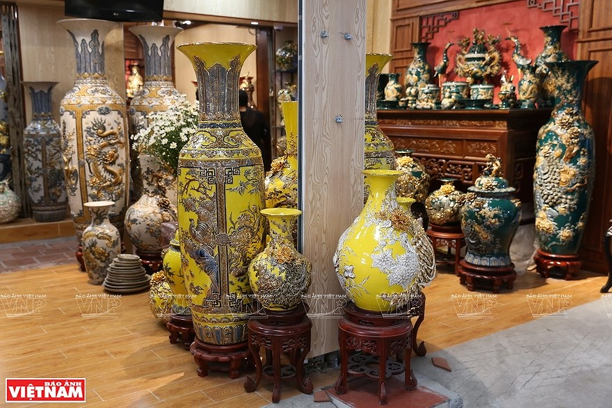 Le village de la ceramique de Bat Trang hinh anh 10