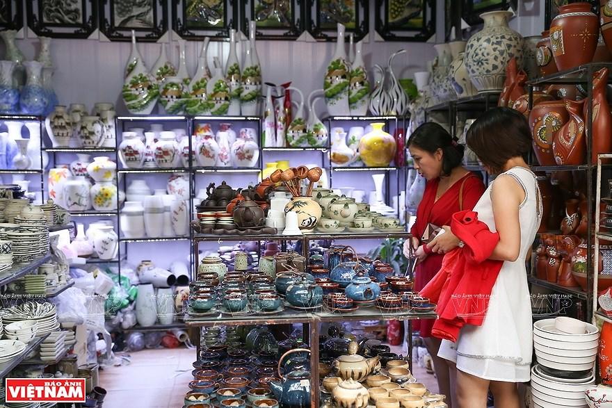 Le village de la ceramique de Bat Trang hinh anh 11