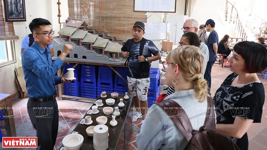 Le village de la ceramique de Bat Trang hinh anh 4