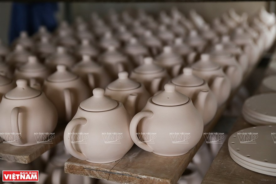 Le village de la ceramique de Bat Trang hinh anh 7