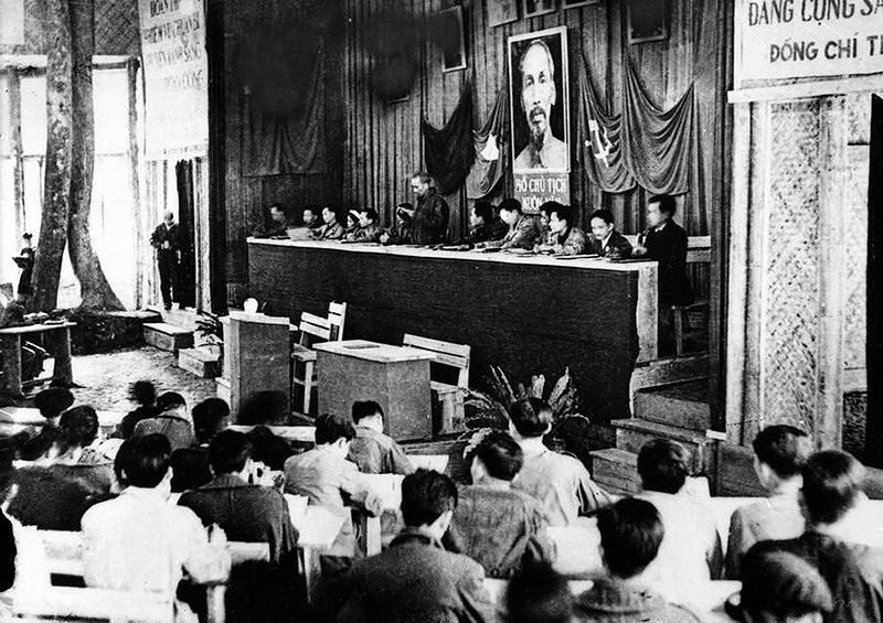 131 год со дня рождения президента Хо Ши Мина (19 мая 1890 г. - 19 мая 2021 г.): эпоха Хо Ши Мина hinh anh 8