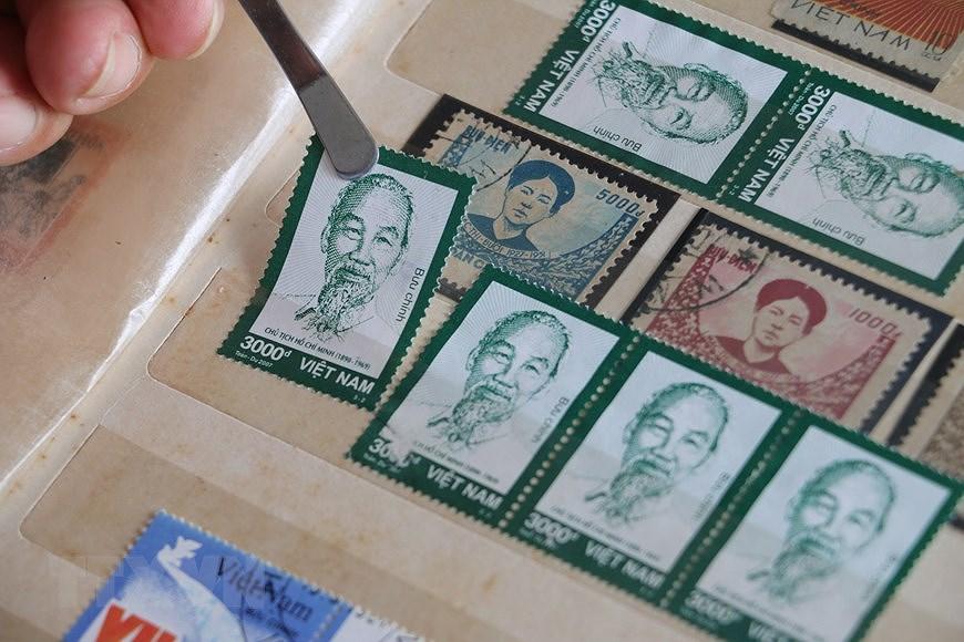 Коллекция марок о президенте Хо Ши Мине hinh anh 11