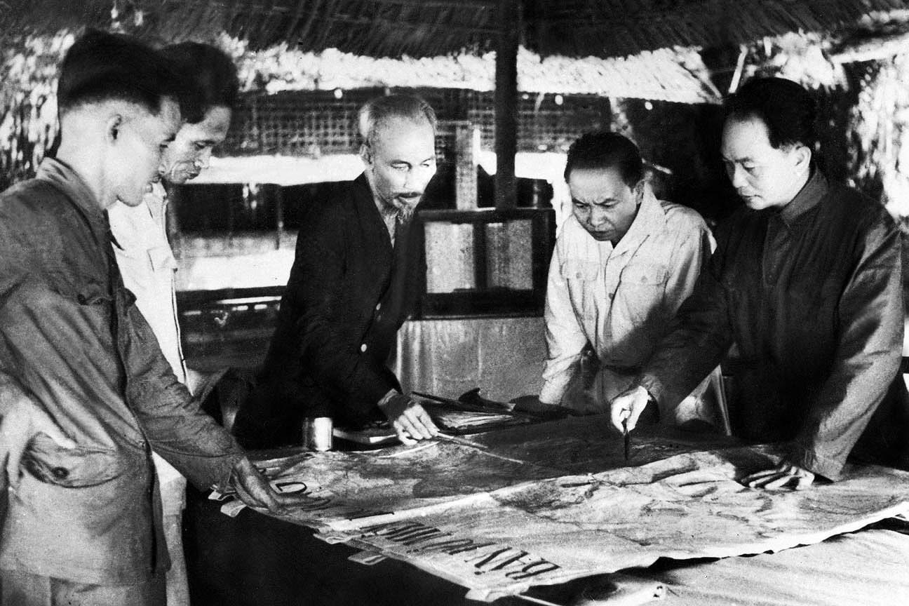 131 год со дня рождения президента Хо Ши Мина (19 мая 1890 г. - 19 мая 2021 г.): эпоха Хо Ши Мина hinh anh 9