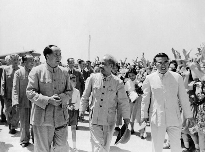131 год со дня рождения президента Хо Ши Мина (19 мая 1890 г. - 19 мая 2021 г.): эпоха Хо Ши Мина hinh anh 10