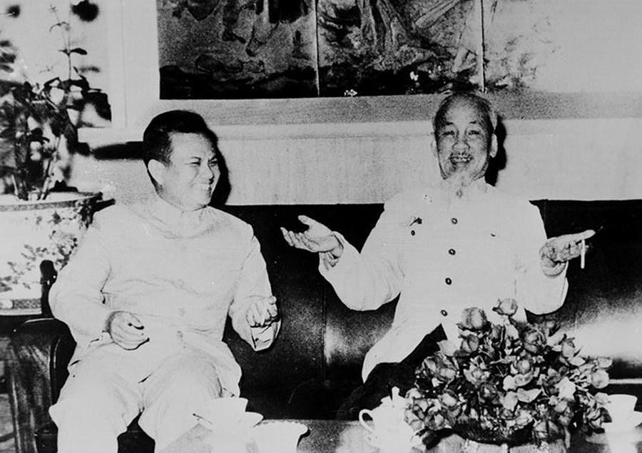 131 год со дня рождения президента Хо Ши Мина (19 мая 1890 г. - 19 мая 2021 г.): эпоха Хо Ши Мина hinh anh 18