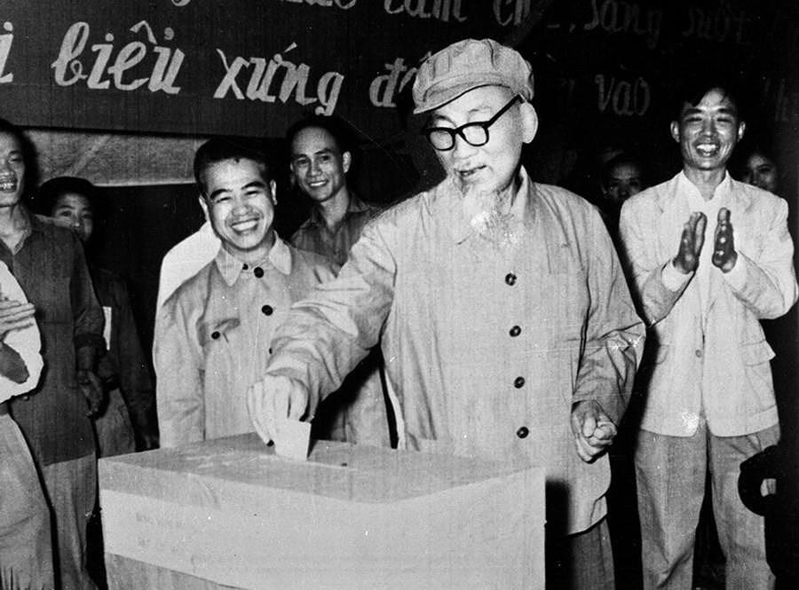 131 год со дня рождения президента Хо Ши Мина (19 мая 1890 г. - 19 мая 2021 г.): эпоха Хо Ши Мина hinh anh 23