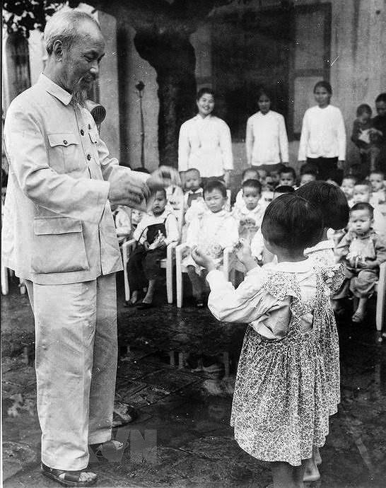 Президент Хо Ши Мин: самыи уважаемыи дядя для детеи hinh anh 5