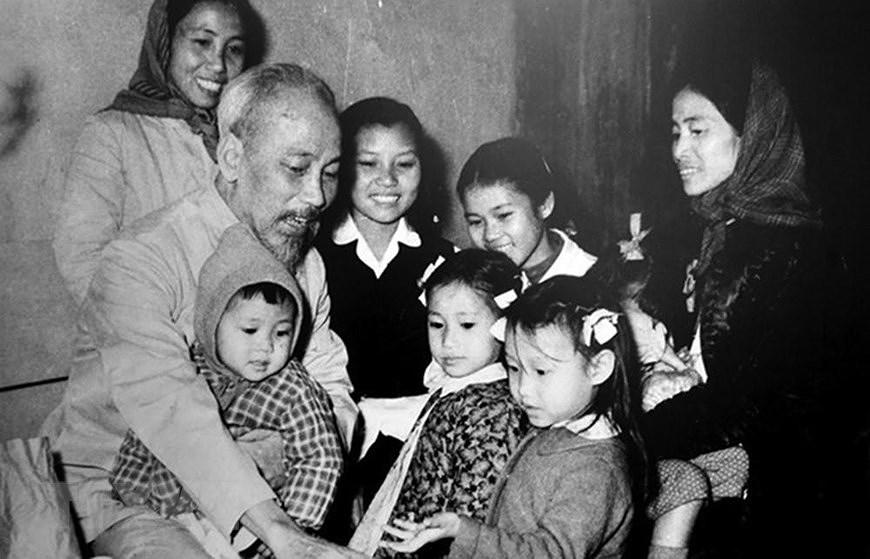 Президент Хо Ши Мин: самыи уважаемыи дядя для детеи hinh anh 9