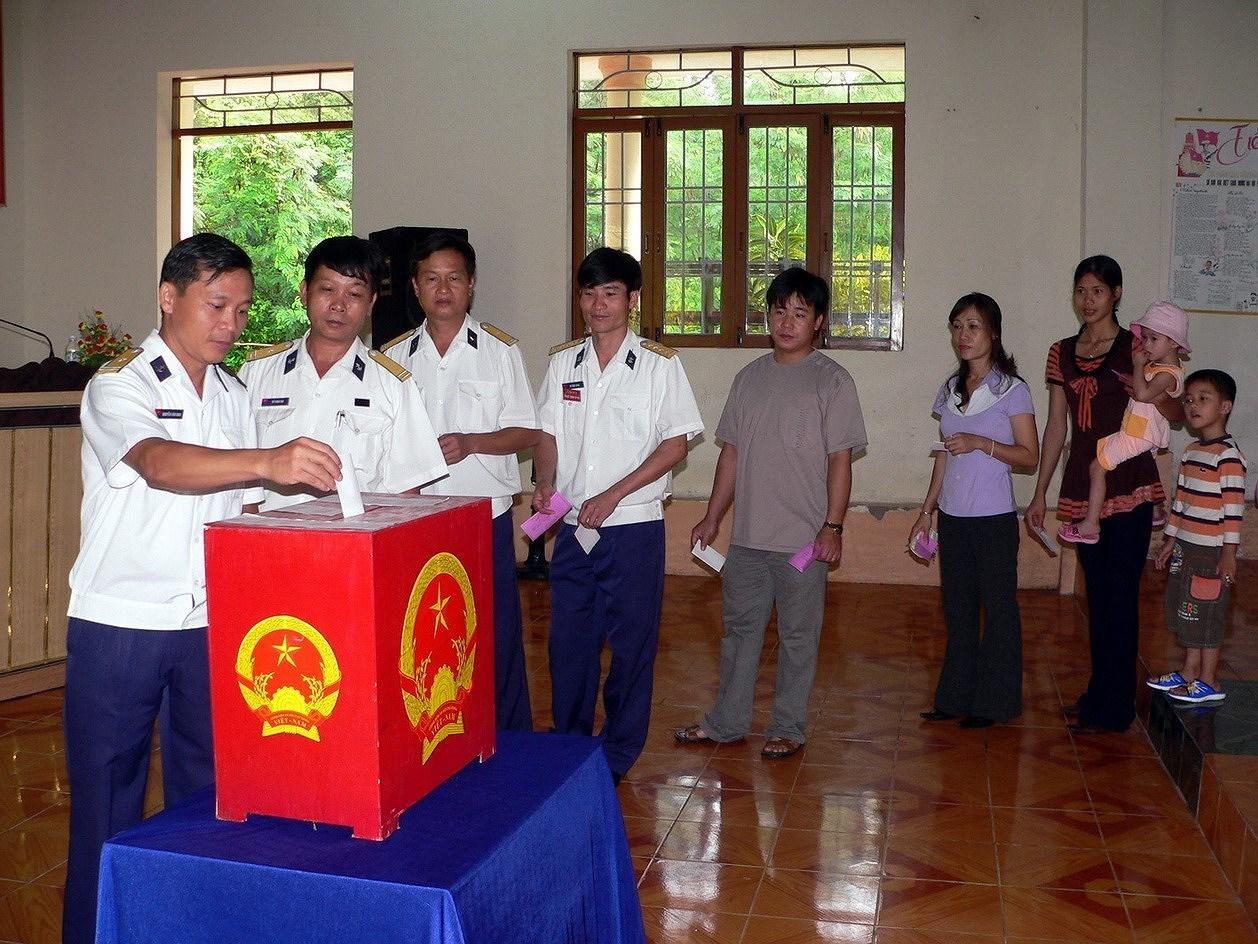 Выборы депутатов Национального Собрания и депутатов Народных Советов всех уровнеи - Всенародныи праздник hinh anh 7