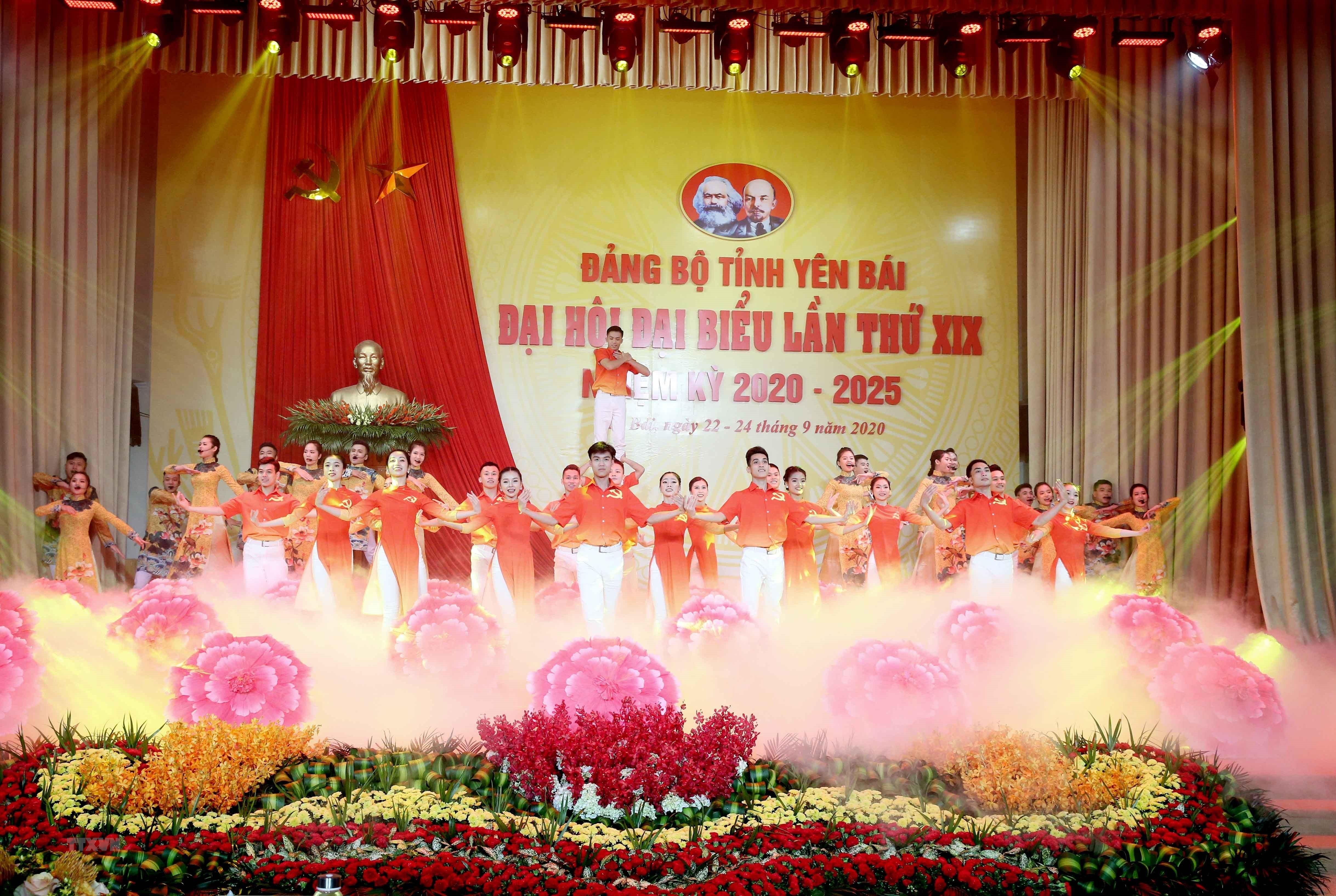 Hinh anh khai mac Dai hoi dai bieu Dang bo tinh Yen Bai lan thu XIX hinh anh 1